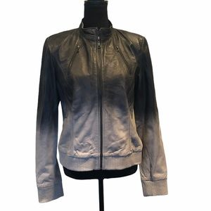 NWOT Danier leather jacket with zipper closure
